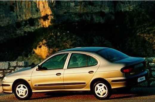 Рено Меган 1997г с двигателем 1.6