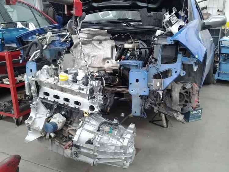 замена двигателя Рено Меган