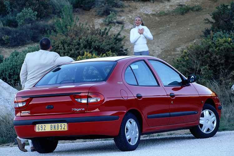 Рено Меган Классик с кузовом седан