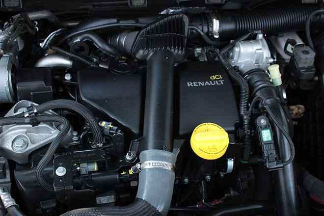 Замена фильтров Renault Fluence