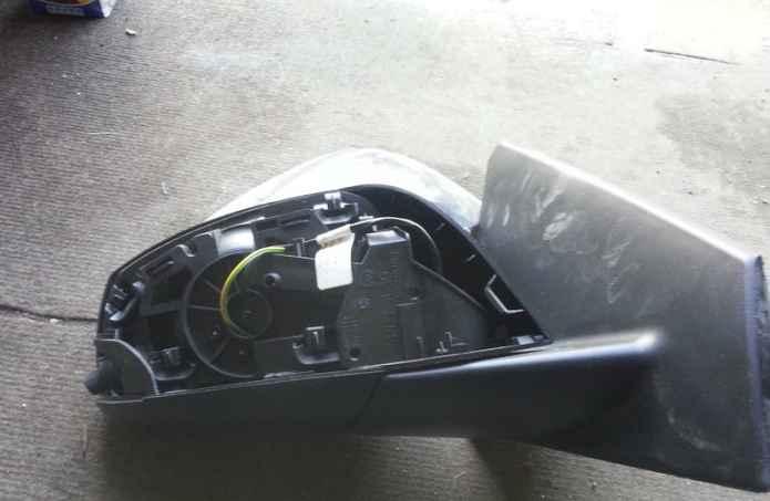 Снятое зеркало заднего вида Renault Fluence