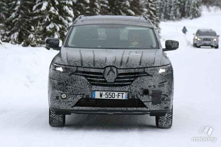 Renault Maxthon вид спереди