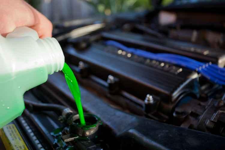зеленая охлаждающая жидкость