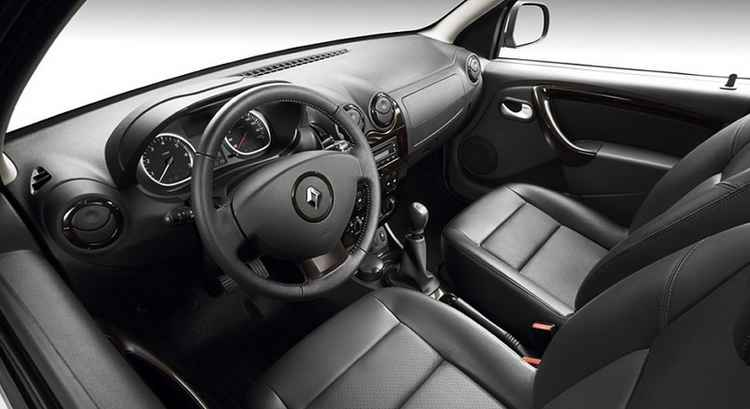Салон Renault Duster