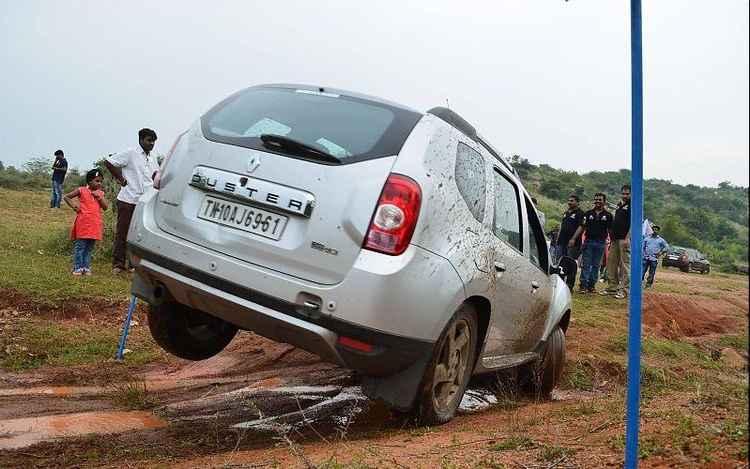 Внедорожник Renault Duster