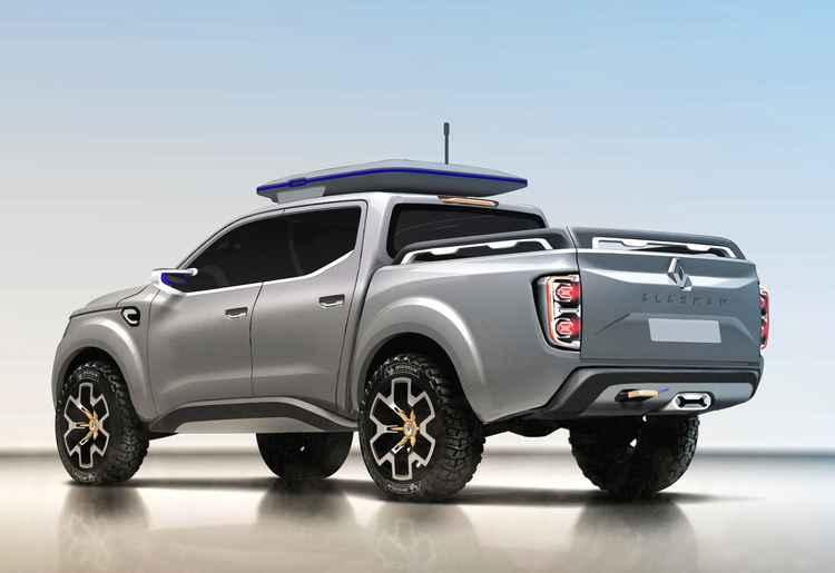 Renault Alaskan вид сзади