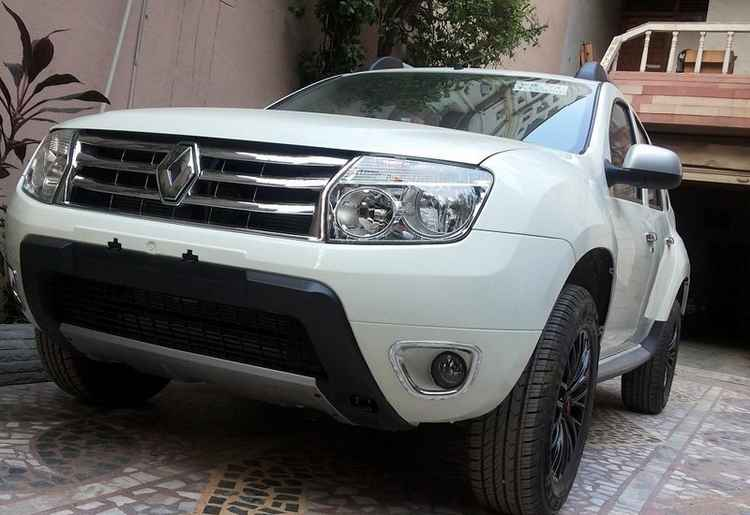 Передний бампер Renault Duster