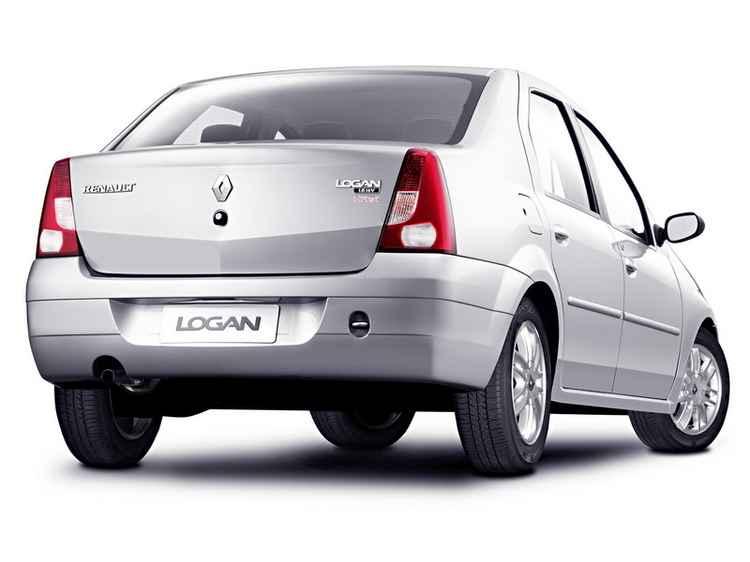 Задняя часть Renault Logan фаза 1
