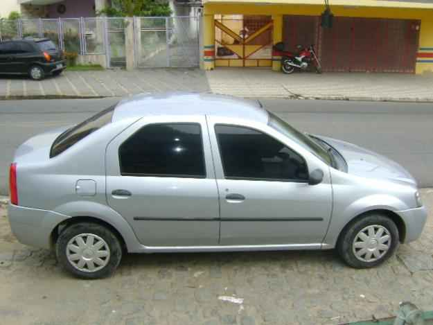 Renault Logan фаза 1 вид сбоку