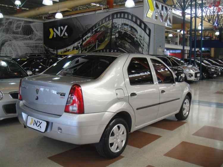 Renault Logan на стандартных дисках