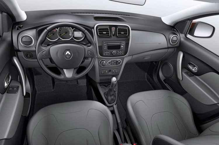 Салон нового Renault Logan