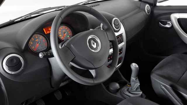 Приборная панель Renault Logan