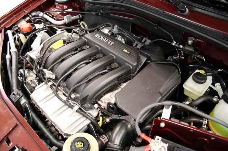 Подкапотное пространство Renault