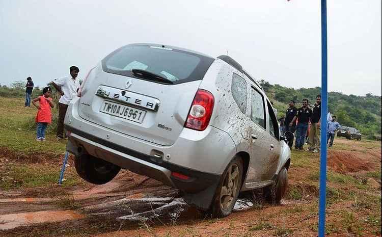 Renault Duster высокий клиренс