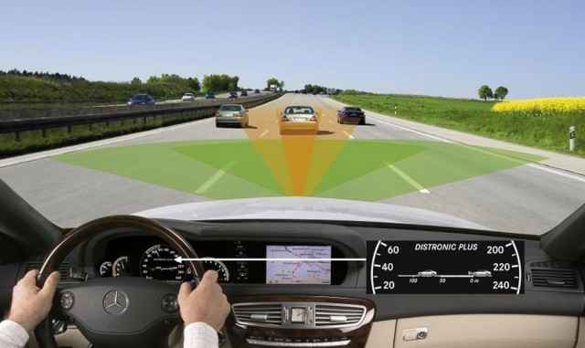 Адаптивный круиз контроль на Mercedes