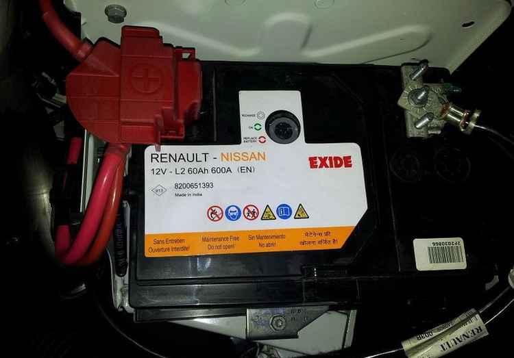 Стандартный аккумулятор на Renault Duster
