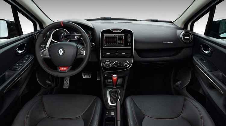 Интерьер Renault Clio Sport