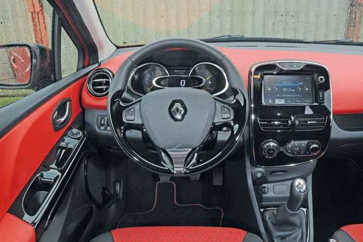Салон Renault Clio