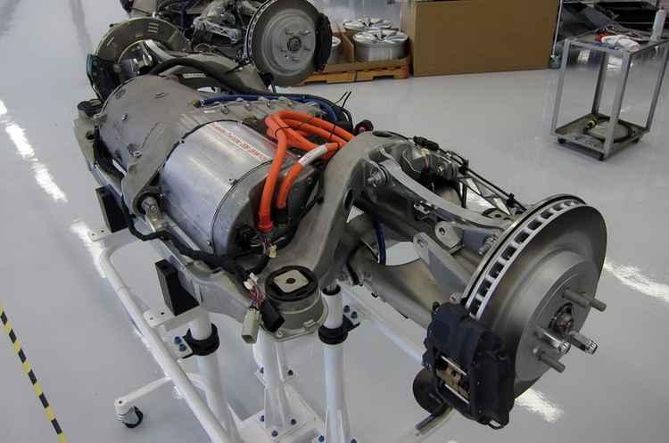Двигатель Tesla S