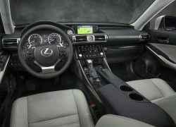 Интерьер Lexus IS 350