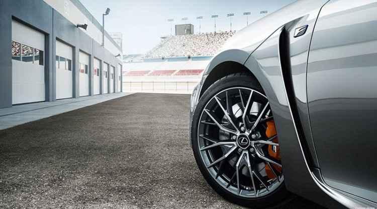 Летняя резина на Lexus