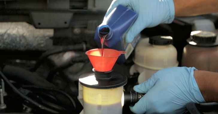 Замена масла гидроусилителя