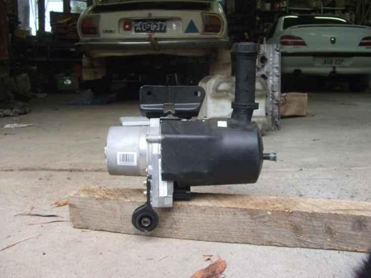 Составная часть электрогидравлического усилителя руля