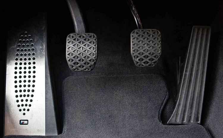 Педали на BMW с МКПП