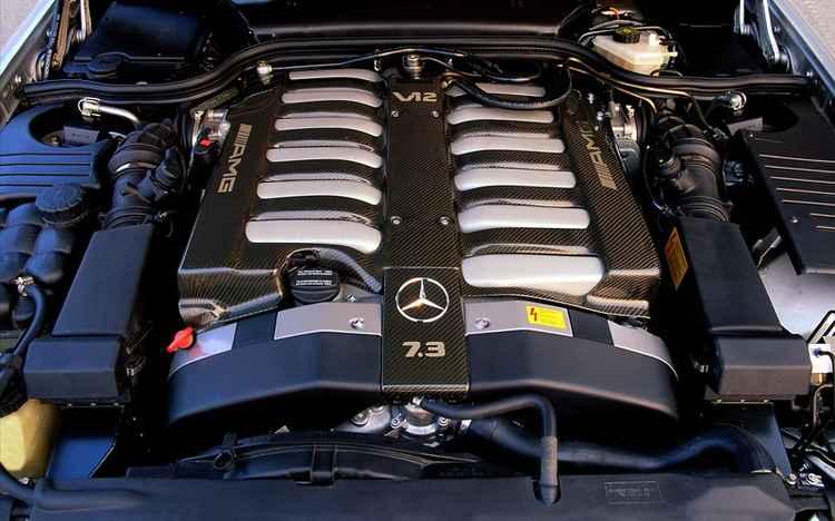 Двигатель Mercedes V12 7.3 AMG