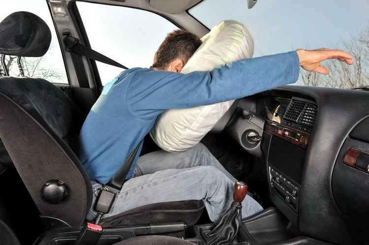 Подушка в руле хорошо помогает при фронтальных ударах