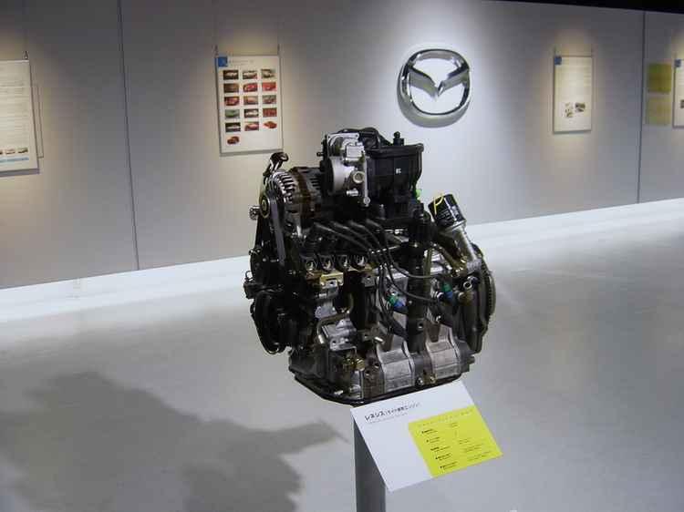 Роторно-поршневый двигатель Mazda