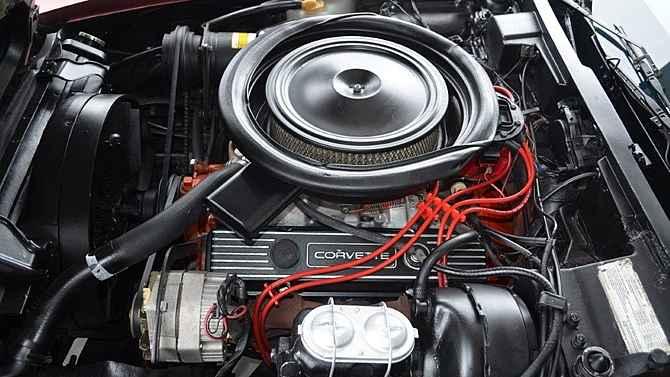 Карбюраторный двигатель на Chevrolet Corvette