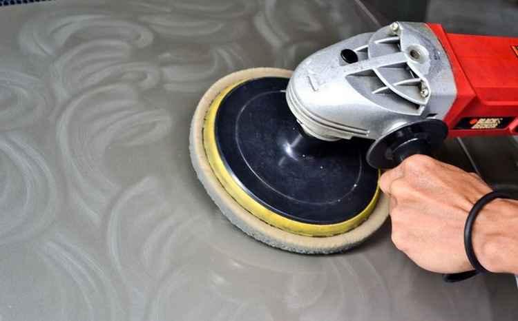 Глубокая полировка кузова при помощи специального инструмента