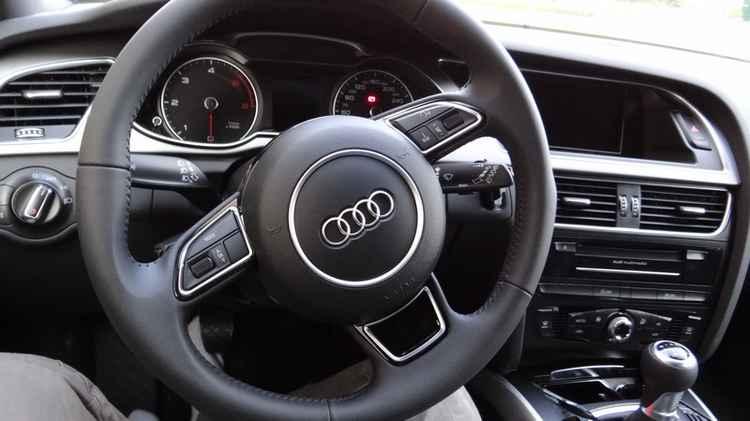 Кожаный руль Audi