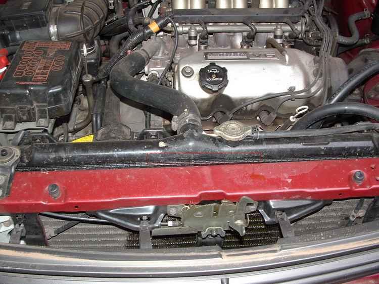 Двигатель и радиатор