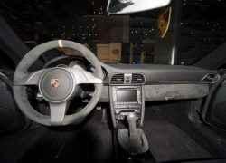 Алькантаровый интерьер в Porsche