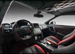 Тюнинг салона Nissan GT-R