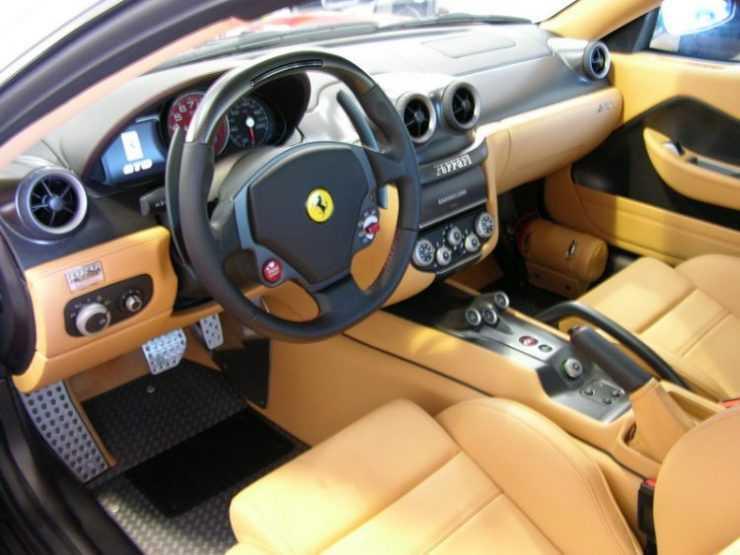 Салон Ferrari