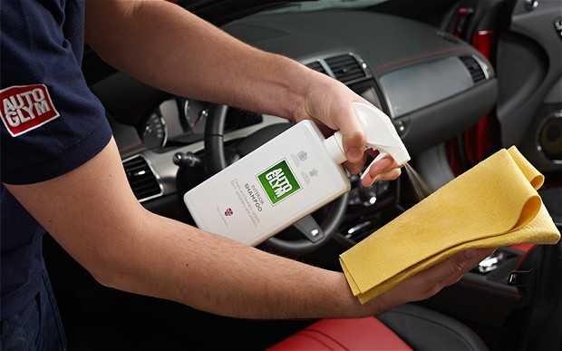 polirovka paneli avto 01 - Чем натирать панель в автомобиле