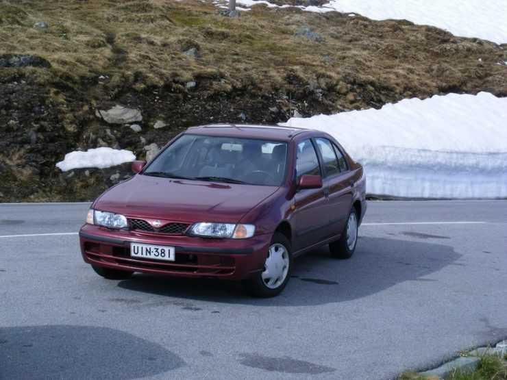 Nissan Almera зимой