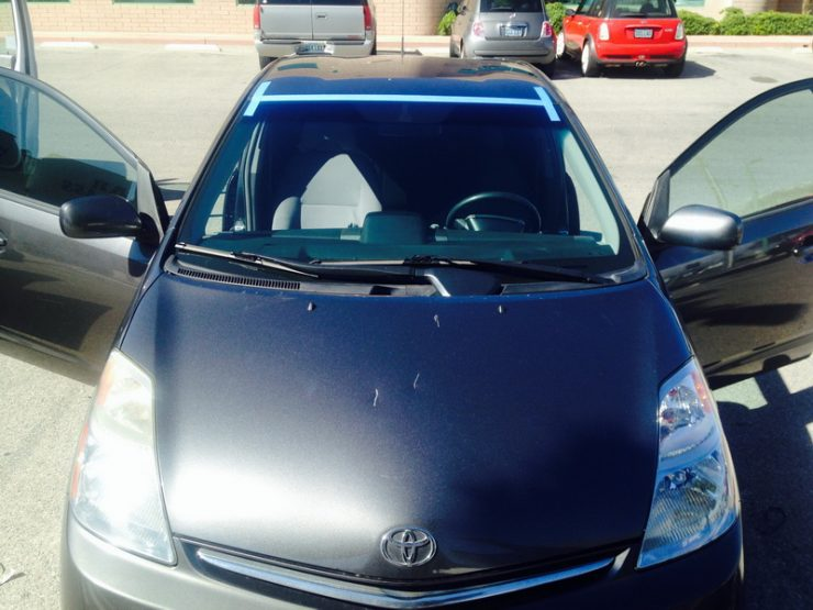 Новое лобовое стекло на Toyota Prius