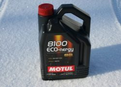 Моторное масло Motul 8100