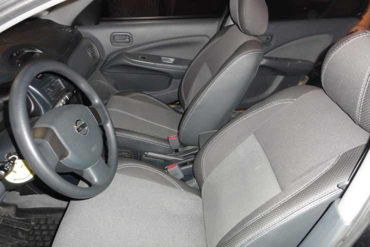 Чехлы на Nissan Almera