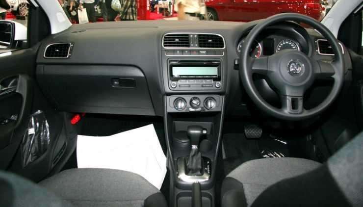 VW Polo интерьер