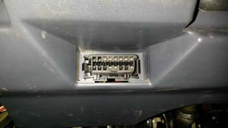 Диагностический разъем Nissan Almera