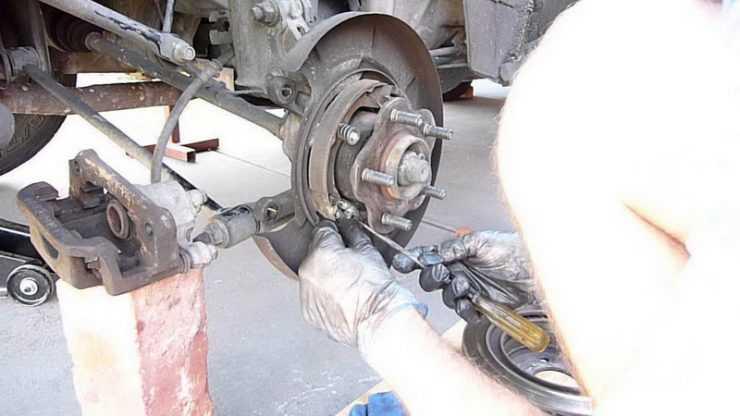 Настройка ручного тормоза Nissan Almera
