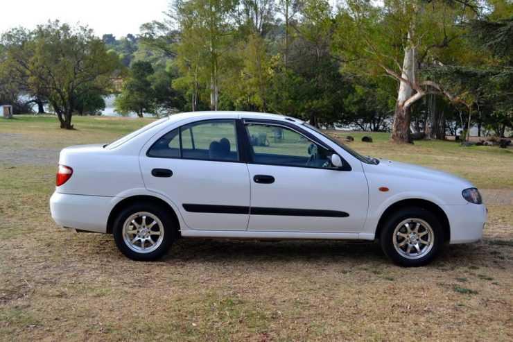 Nissan Almera 2006