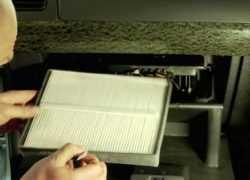 Процесс замены салонного фильтра Nissan Almera