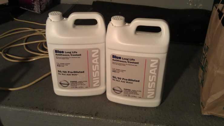 Фирменный антифриз Nissan фото