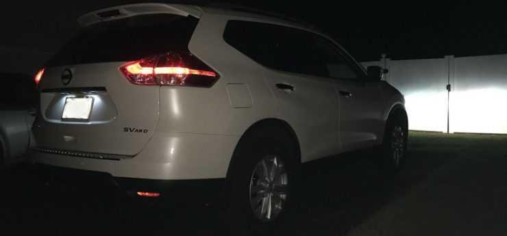 Яркая подсветка номера на Nissan Qashqai